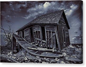 Diabolical Farmstead Canvas Print by Thomas Zimmerman