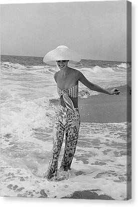 Diana Ewing Playing At A Beach Canvas Print