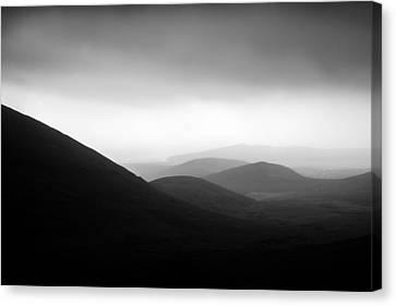 Dingle Curves Canvas Print by Mark Callanan