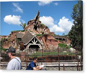 Disneyland Park Anaheim - 121218 Canvas Print