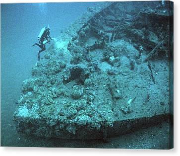 Diver At Uss Monitor Shipwreck Canvas Print by Noaa