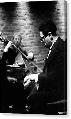 Dizzy On Piano Canvas Print by Dave Coleman