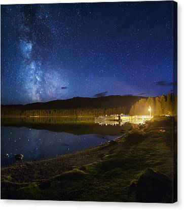 Dock Under The Stars Canvas Print by Bun Lee