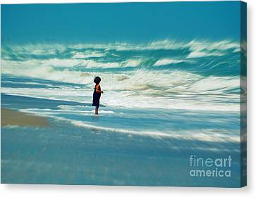 Does The Ocean Ever Stops Canvas Print by Susanne Van Hulst