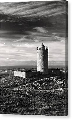 Doonagore Castle Ireland Canvas Print by Pierre Leclerc Photography