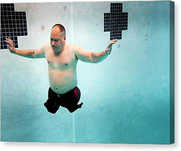 Double Amputee Swimmer Canvas Print by Us Air Force/mark Fayloga