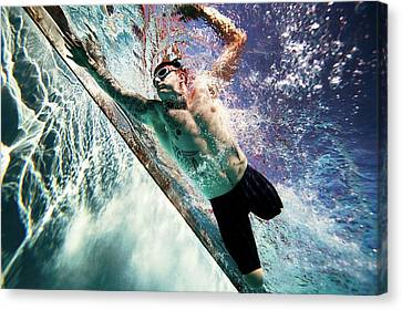 Double Amputee Swimming Canvas Print by U.s. Marine Corps