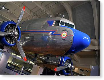 Douglas Dc-3 Aircraft Canvas Print