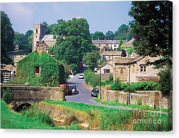 Downham In Lancashire Canvas Print by Tess Baxter