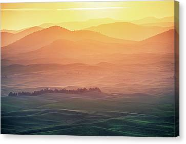 Dreamy Morning Canvas Print by Naphat Chantaravisoot