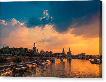 Dresden 02 Canvas Print by Tom Uhlenberg