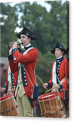 Drum And Bugle Corp In Colonial Williamsbnurg Canvas Print