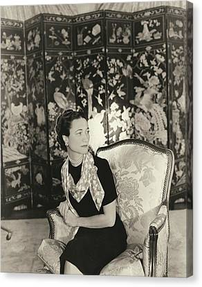 Duchess Of Windsor In Short-sleeved Dress Canvas Print by Horst P. Horst