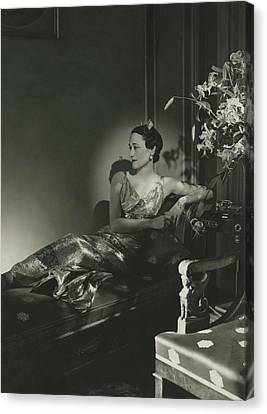 Duchess Of Windsor Reclining Canvas Print by Horst P. Horst