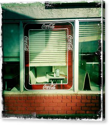Dunnigan Cafe Canvas Print by Suzanne Lorenz