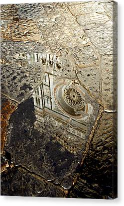 Duomo Reflected In Rain  I I Canvas Print by Caroline Stella