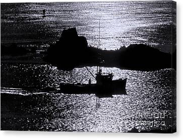 Early Morning Silhouette At Sail Rock Narrows Canvas Print
