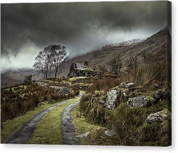 Abandoned House Canvas Print - Echoes Of The Past by David Ahern