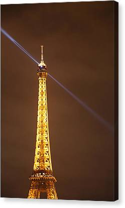 Eiffel Tower - Paris France - 011334 Canvas Print by DC Photographer