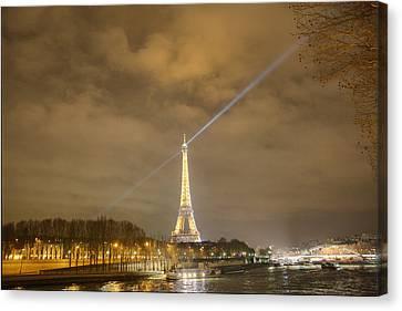 Eiffel Tower - Paris France - 011335 Canvas Print by DC Photographer