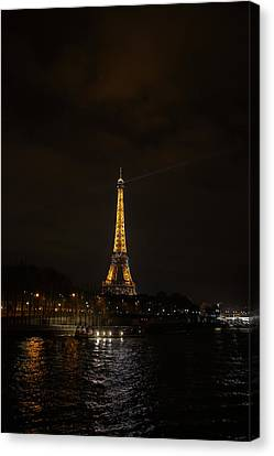 Eiffel Tower - Paris France - 011336 Canvas Print by DC Photographer