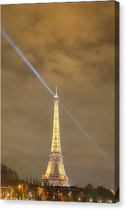 Eiffel Tower - Paris France - 011348 Canvas Print by DC Photographer