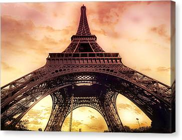 Eiffel Tower In Paris With Sunset Pink And Orange Canvas Print by Lynn Langmade