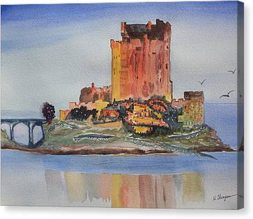 Eilean Donan Castle  Dornie Inverness Shire Scotland Canvas Print