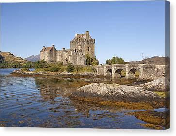 Eilean Donan Castle Canvas Print by Eunice Gibb