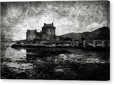 Eilean Donan Castle In Scotland Bw Canvas Print