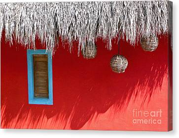 El Muro Roja Canvas Print