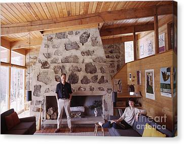 Eliot And Molly Noyes At Their Ski Cabin 1964 Canvas Print by The Harrington Collection