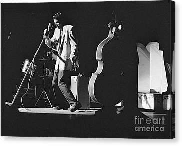 Elvis Presley Performing At The Fox Theater 1956 Canvas Print