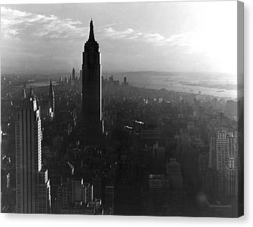 Empire State Building Canvas Print by Underwood Archives