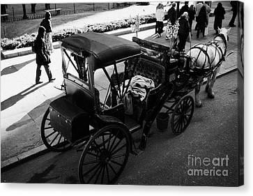 Manhatan Canvas Print - Empty Horse Carriage Off Central Park New York City by Joe Fox