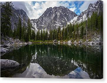 Enchantments Alpine Lake Clarity Canvas Print by Mike Reid