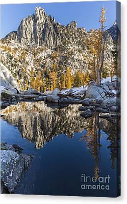 Enchantments Prusik Peak Canvas Print by Mike Reid