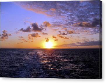 Hawaiian End Of Day Canvas Print by Bob Slitzan