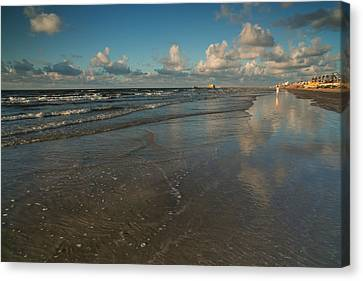 Canvas Print featuring the photograph End Of Summer by Sharon Jones