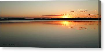 End Of The Day 01 Canvas Print by Kevin Chippindall