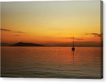 End Of The Day Canvas Print by Paul Cowan