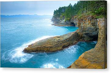 End Of The Earth Canvas Print by Anthony J Wright