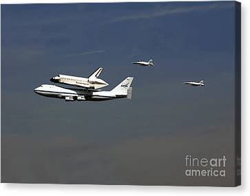 Endeavour Space Shuttle In La With Escort Fighter Jets  Canvas Print by Howard Koby