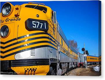 Canvas Print featuring the photograph Engine 5771 by Shannon Harrington