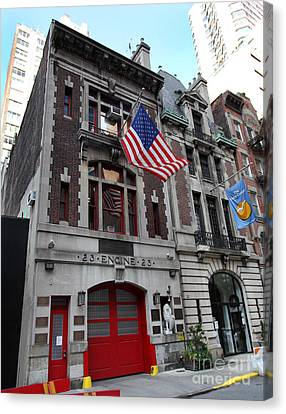 Engine Company 23 Fdny Canvas Print by Steven Spak