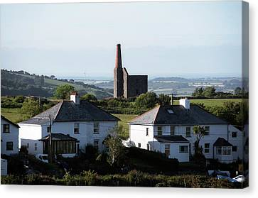 Engine House Chimney At Minions Canvas Print by Sinclair Stammers