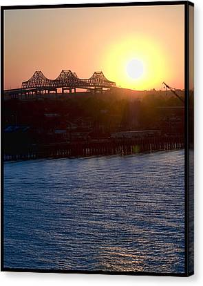 English Turn Sunset In New Orleans Canvas Print by Ray Devlin