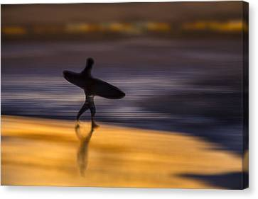 Canvas Print featuring the photograph Enter The Surf  73a0146 by David Orias