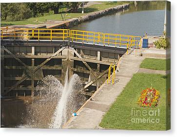 Canvas Print featuring the photograph Erie Canal Lock by William Norton