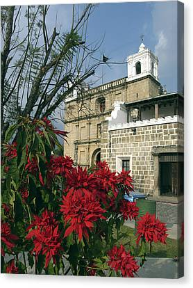 Escuela De Cristo Church Antigua Canvas Print by Kurt Van Wagner